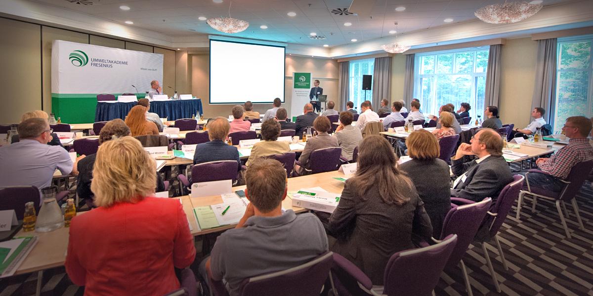 Plenum bei der 11. Fresenius Jahrestagung zum Abfallrecht in der Praxis