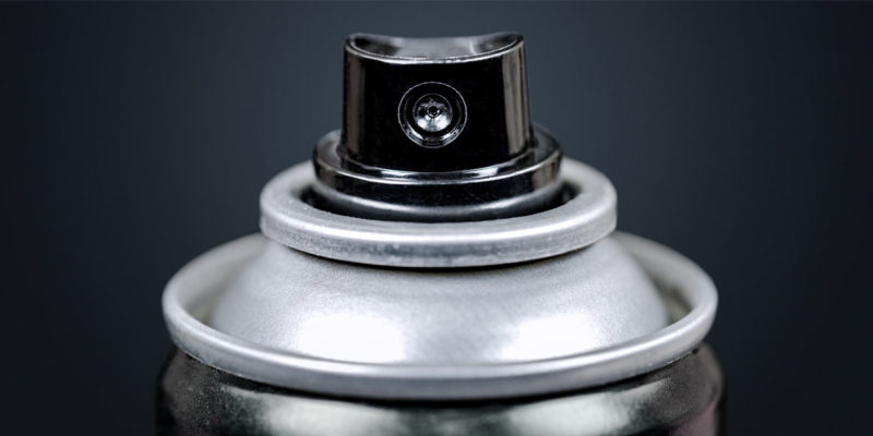 Entsorgung von Spraydosen (Foto: kev303, iStock)