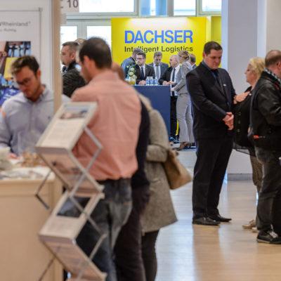Aussteller-Vielfalt in den Messehallen der Gefahrgut // Gefahrstoff Messe in Leipzig