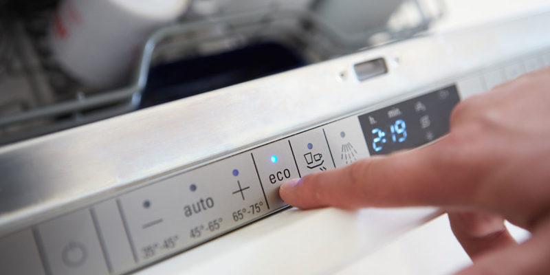 "Waschmaschine im ""Eco-Mode"" (Foto: monkebusinessimages, iStock)"
