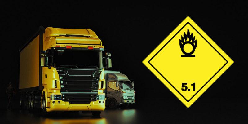 Gefahrguttransport (Foto: phaisarnwong2517, AdobeStock)