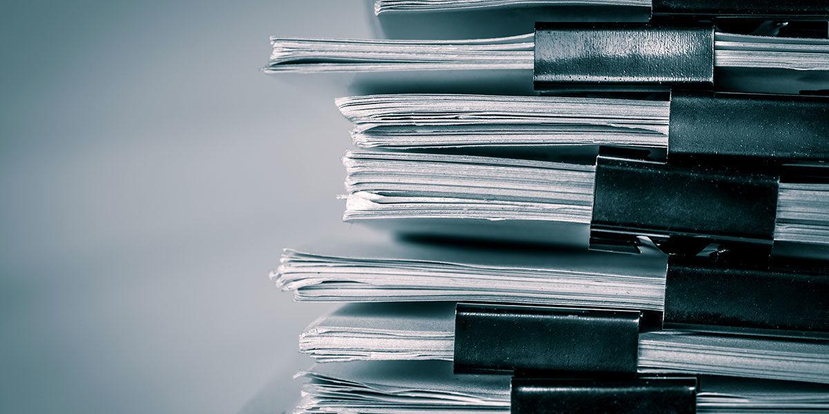 ElektroG, BattG, AVV? Für jeden gefährlichen Abfall gibt es Rechtsgrundlagen und Richtlinien.