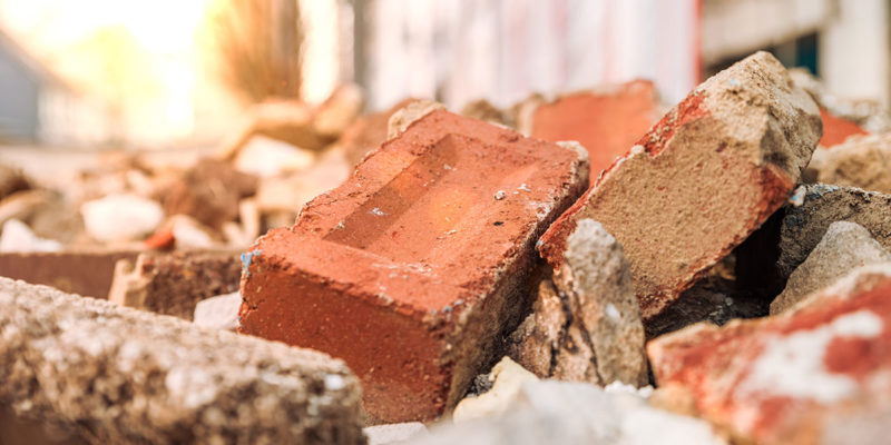 Gesetzeslücken sind insbesondere für Bau- und Abbruchabfälle verheerend, da sie in großen Mengen anfallen