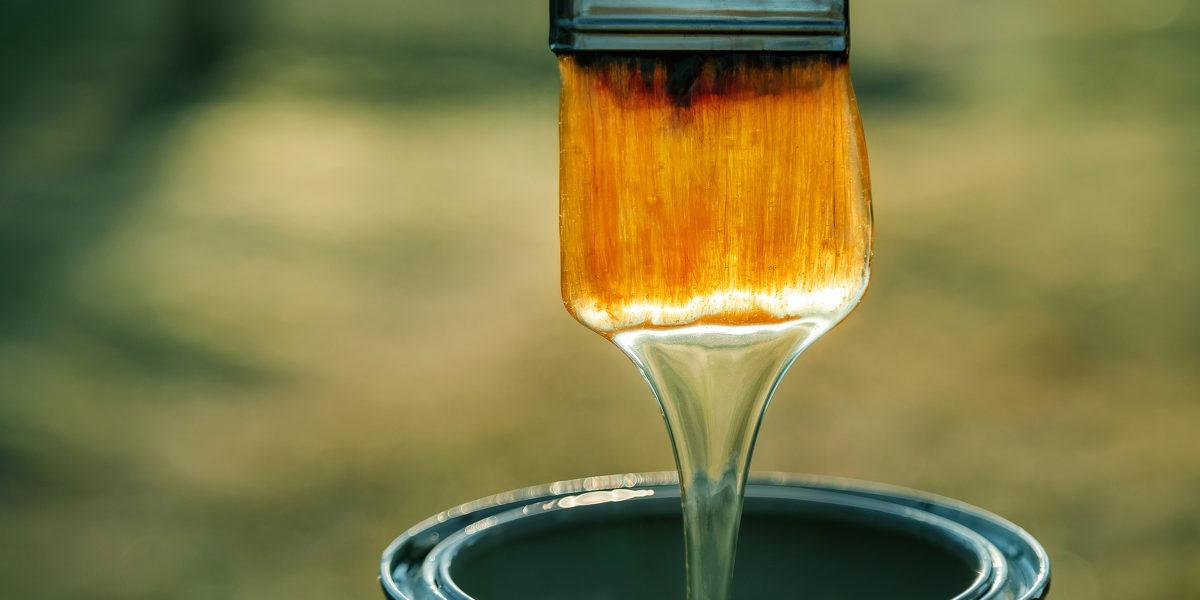 Flüssige, nicht ausgehärtete Farben und Lacke müssen als Sonderabfall entsorgt werden.