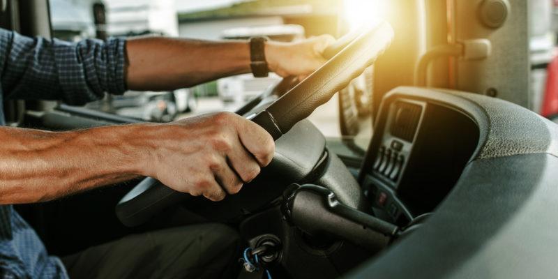 Die Rahmenbedingungen für die Aus- und Weiterbildung von Berufskraftfahrern sollen verbessert werden.