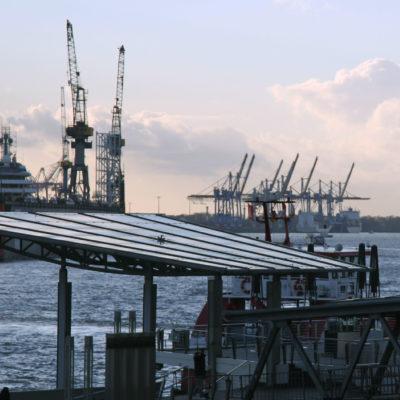 126,3 Millionen Tonnen Ladung gingen 2020 über die Kaikanten des größten deutschen Seehafens.